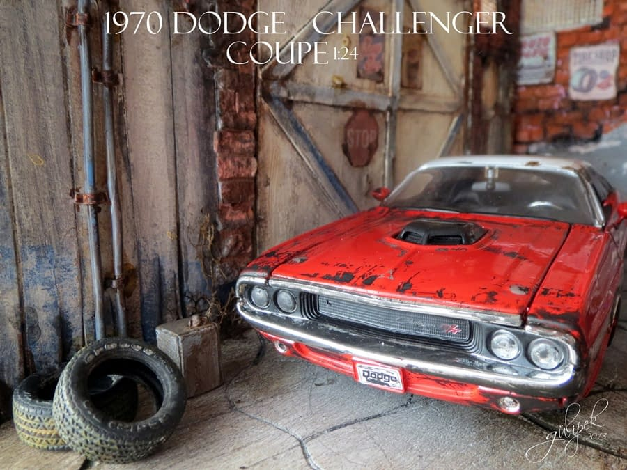 Diorama /1970 Dodge Challenger Coupe